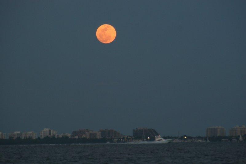 super-moon-rise